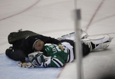 eZ tries to calm Lehtonen's temper-tantrum after not getting POTW honors